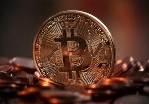 https://pixabay.com/en/bitcoin-digital-money-decentralized-2007769/ Michael Whensch